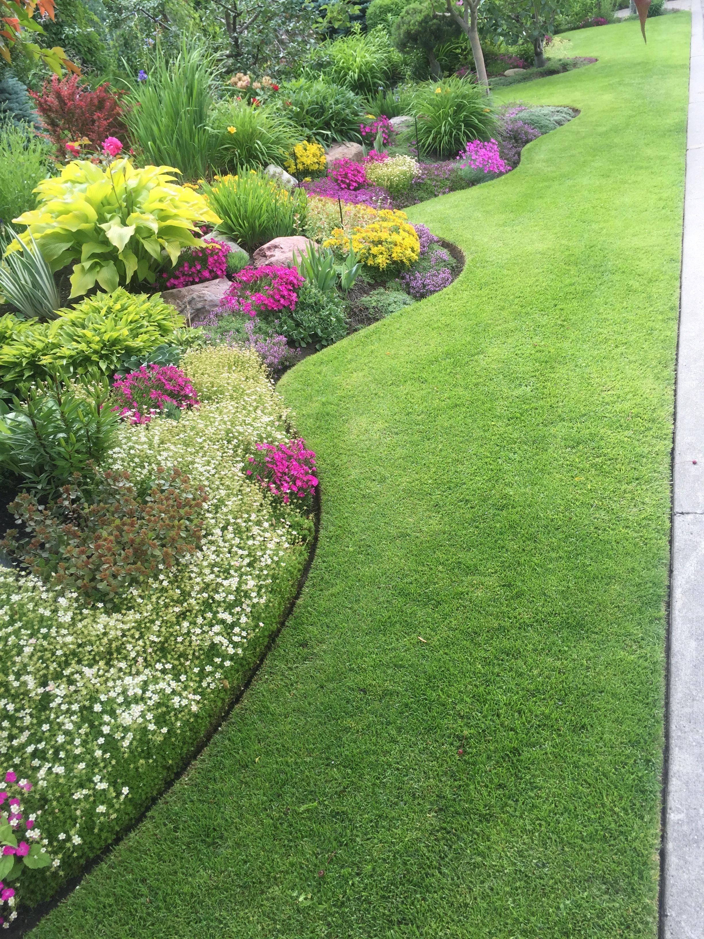 I Love The Perfect Edging 18 Splendid Front Yard Landscaping Ideas And Garden Desig Garden Design Layout Landscaping Landscape Design Front Yard Landscaping Backyard border landscaping ideas