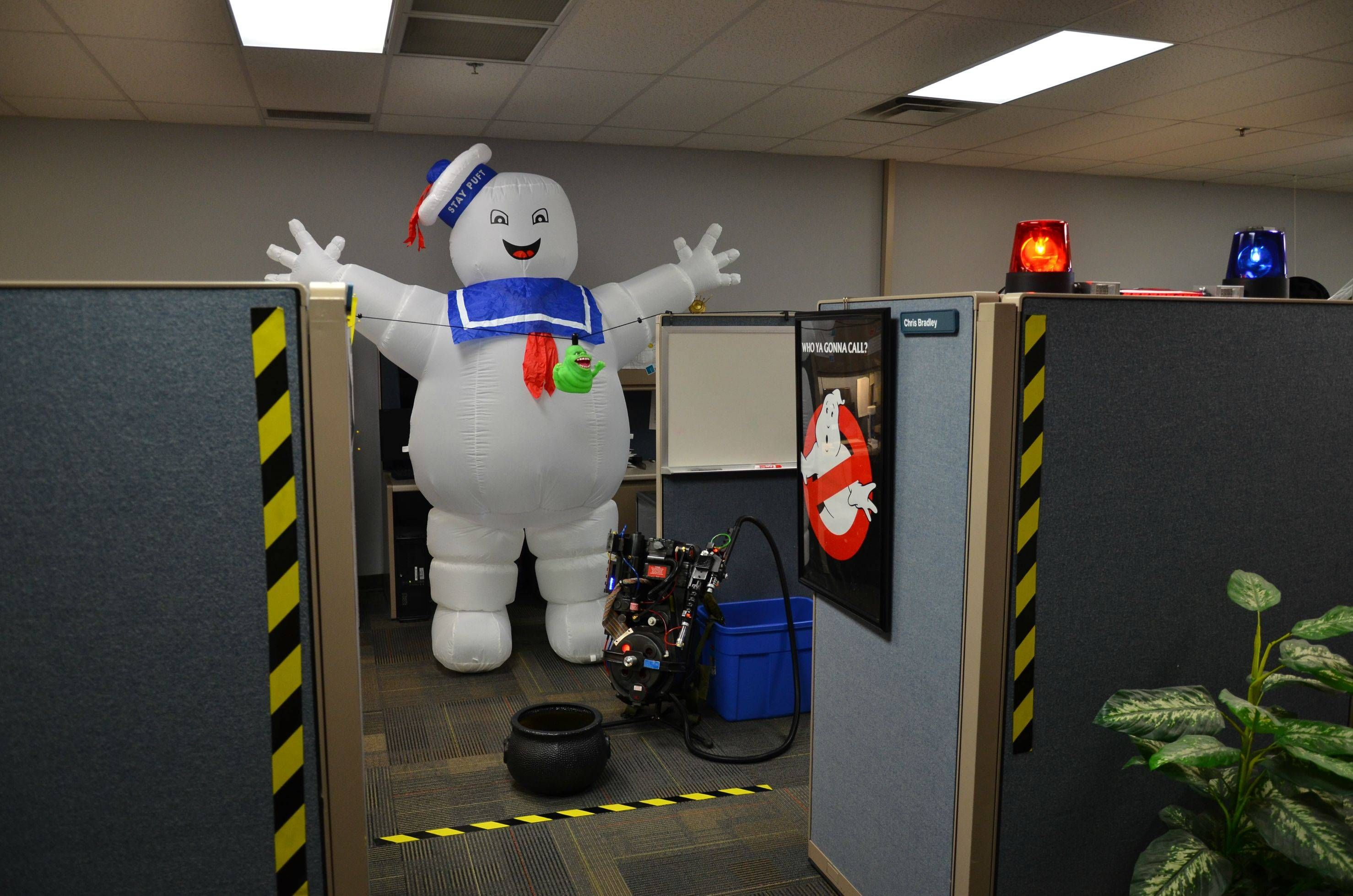 Cubicle Decoration Sample Office Halloween Decorations Halloween Cubicle Halloween Decorations