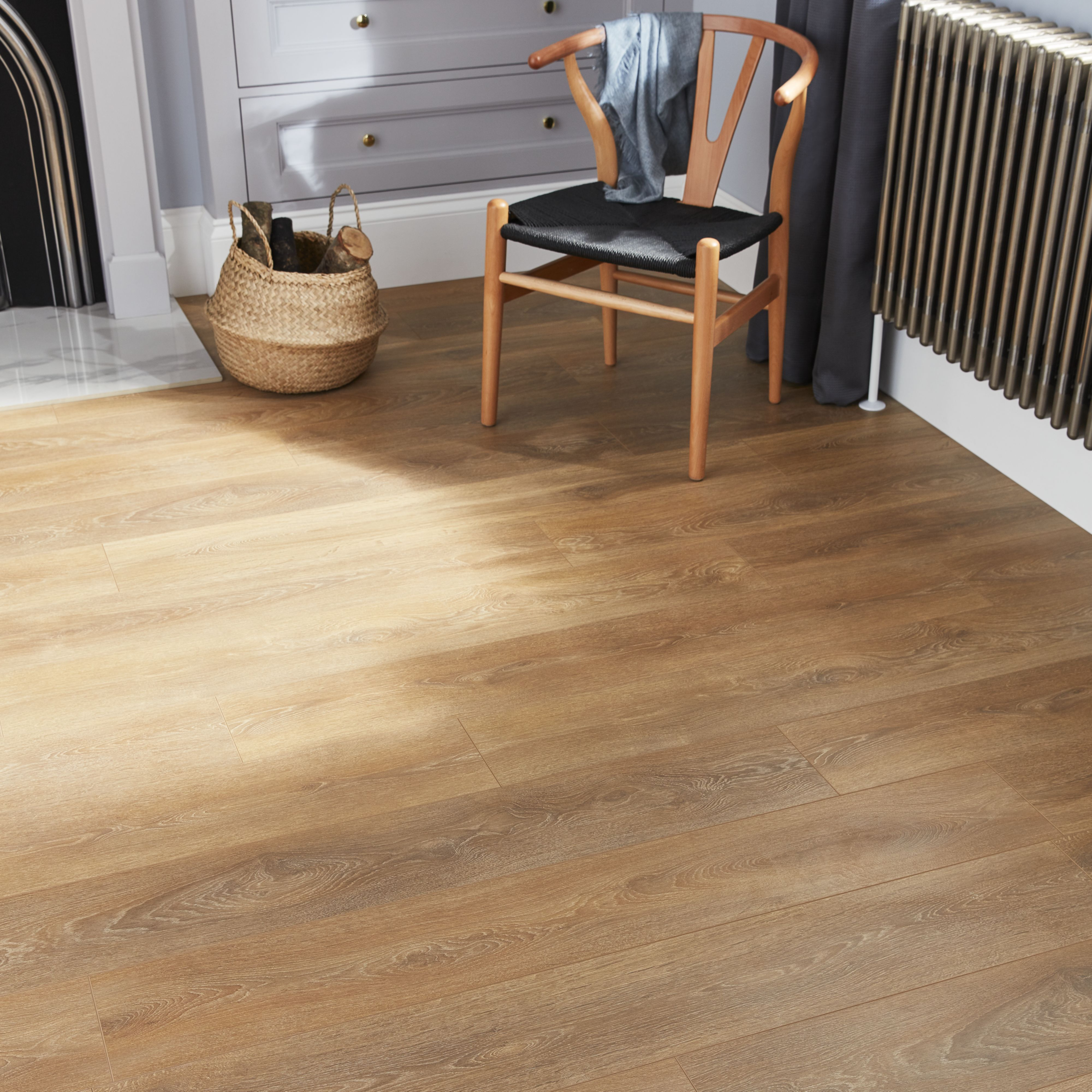 Goodhome Mossley Natural Oak Effect Laminate Flooring 1 73m Pack In 2020 Flooring Laminate Flooring Solid Wood Design