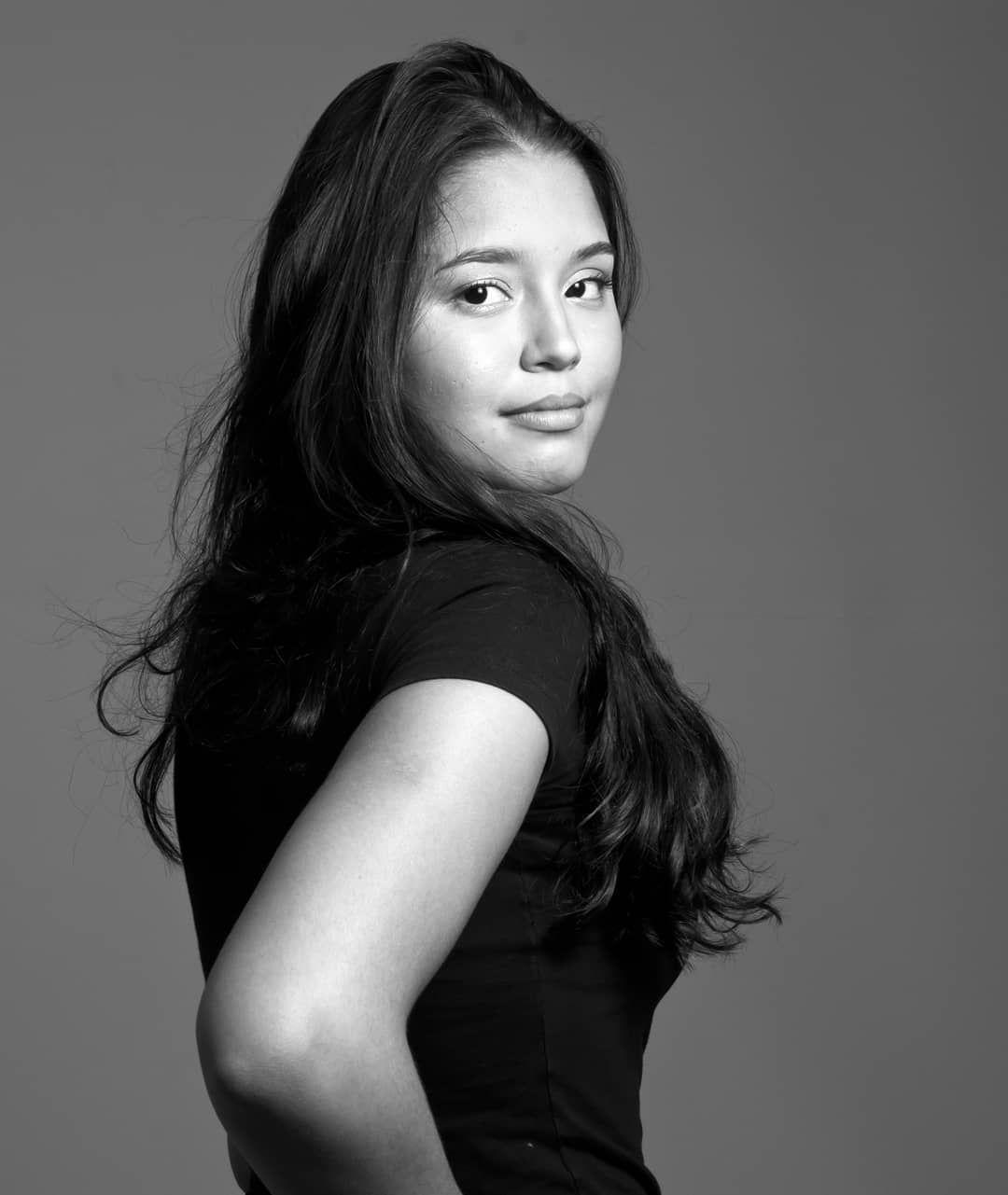 10bfd1c97 Larissa Malheiros Araujo Idade  19 anos Altura  1