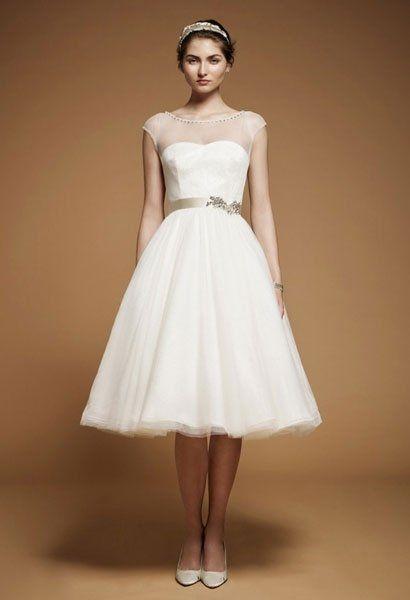 Schone Kurze Hochzeitskleider Goldener Taillengurtel Hochzeit In