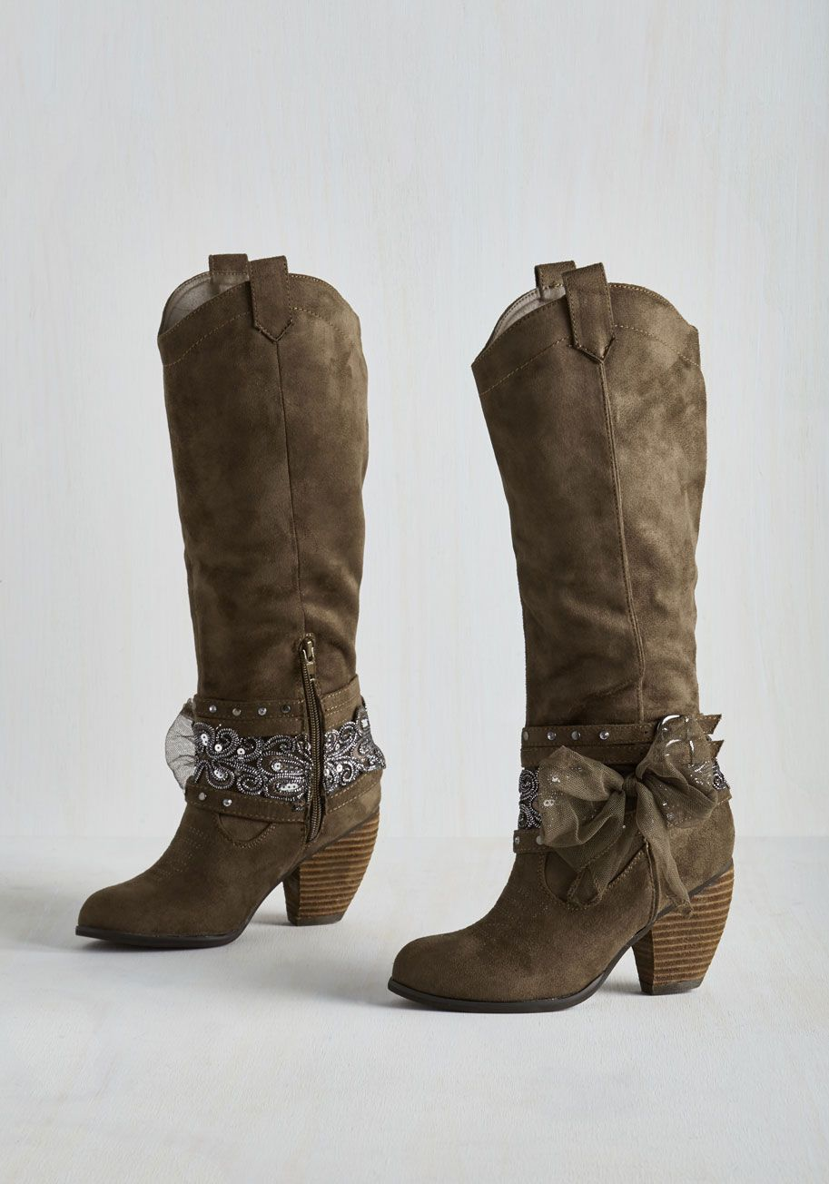 715d1d1be975 Dallas' Wonderland Boot. Youll gambol by grandiose sights with equal  panache thanks to these taupe-brown boots! #brown #modcloth