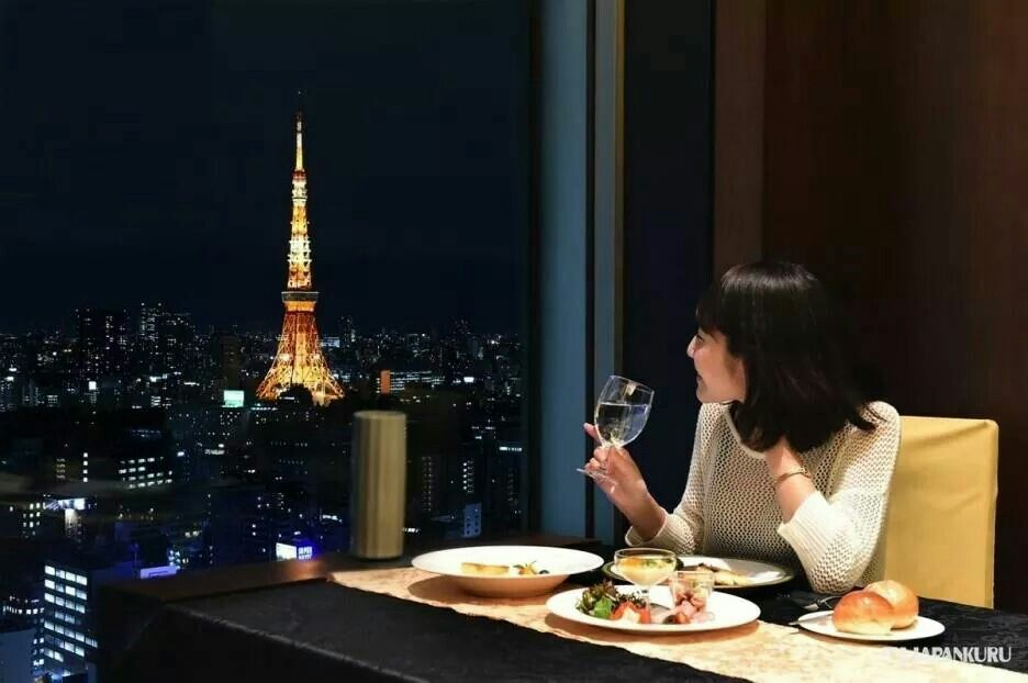 Night In Tokyo Indeed Is Beautiful A View From Royal Park Hotel The Shiodome Tokyo Shiodome Royalpark Hote Royal Park Hotel Tokyo Hotels Tokyo Tower