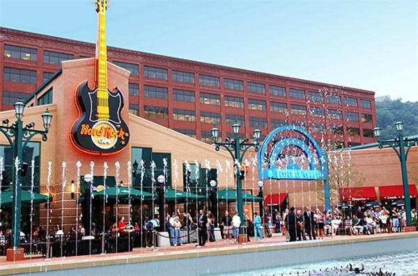 Station Square is Pittsburgh's premier hotspot for dining ...