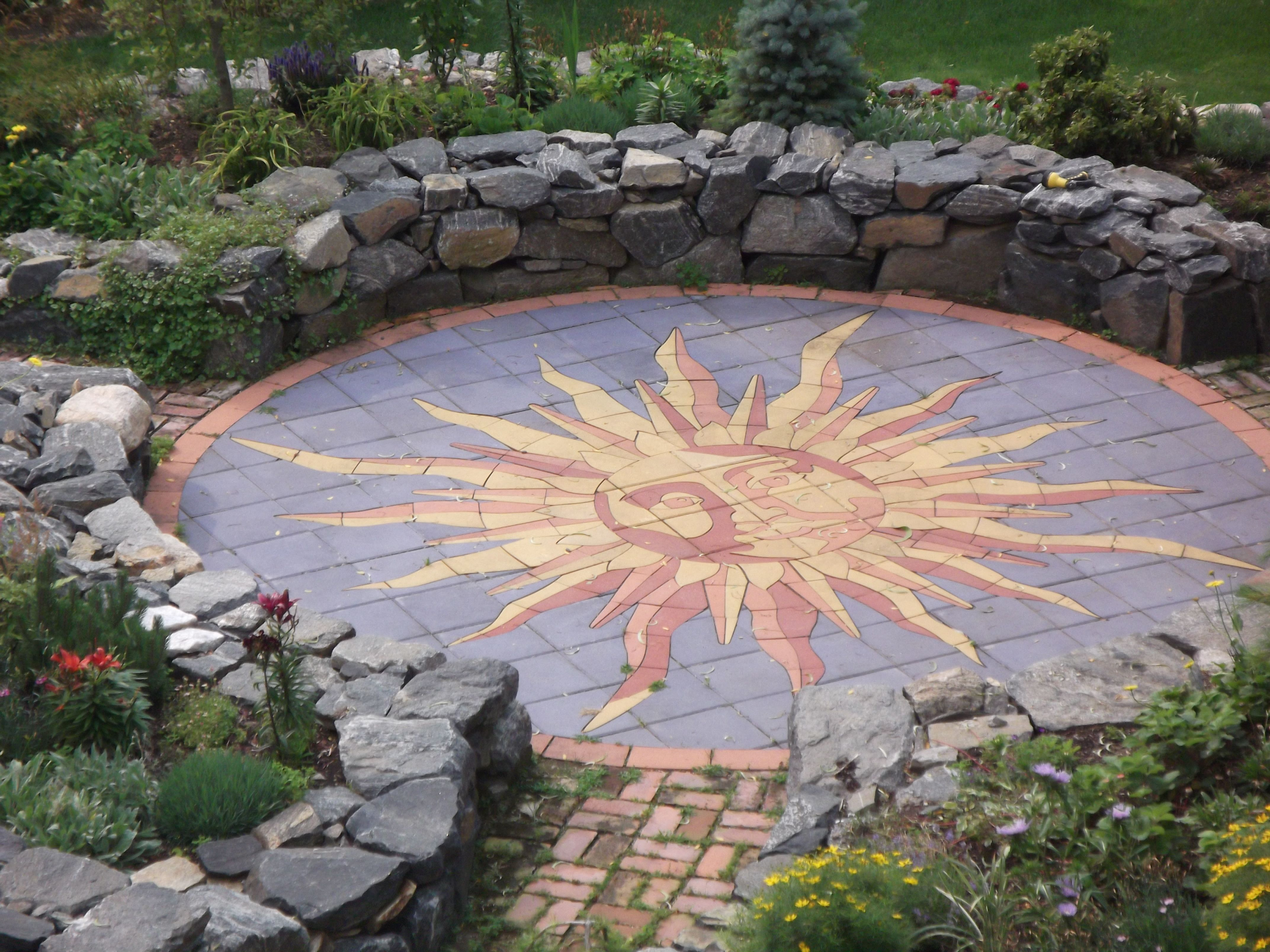 sunburst design perfect in a large open space or shrunk for urban garden applications