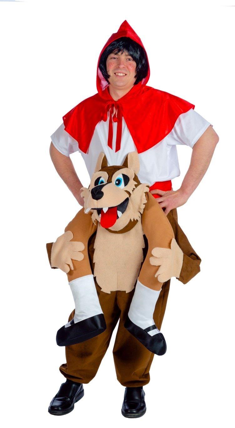 Carre me Kostüm wo der böse Wolf das Rotkäppchen huckepack trägt.
