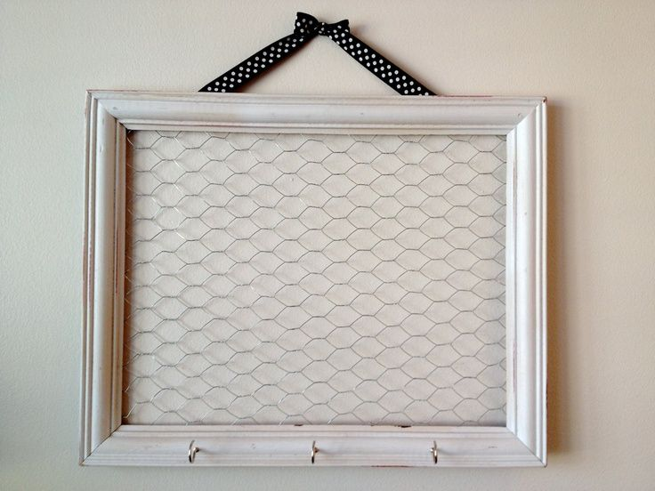 Chicken Wire And Frame Bow Holders