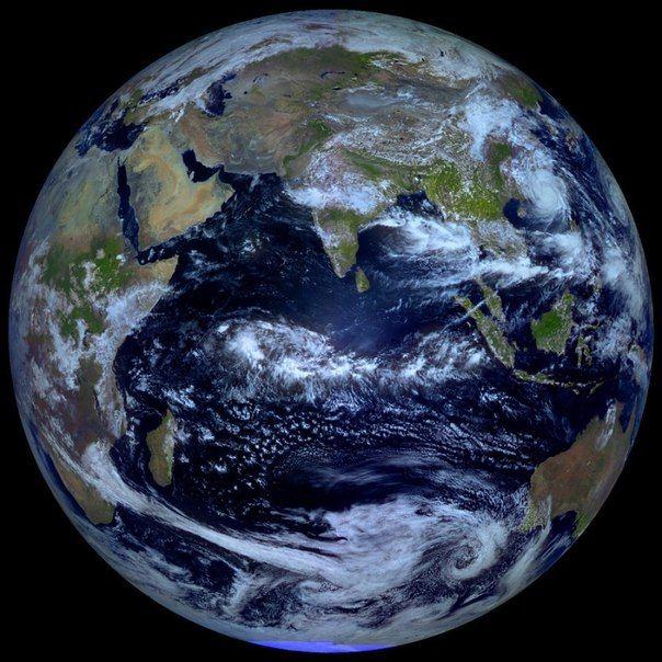 Equinox on 22/09/2013 (APOD/NASA)