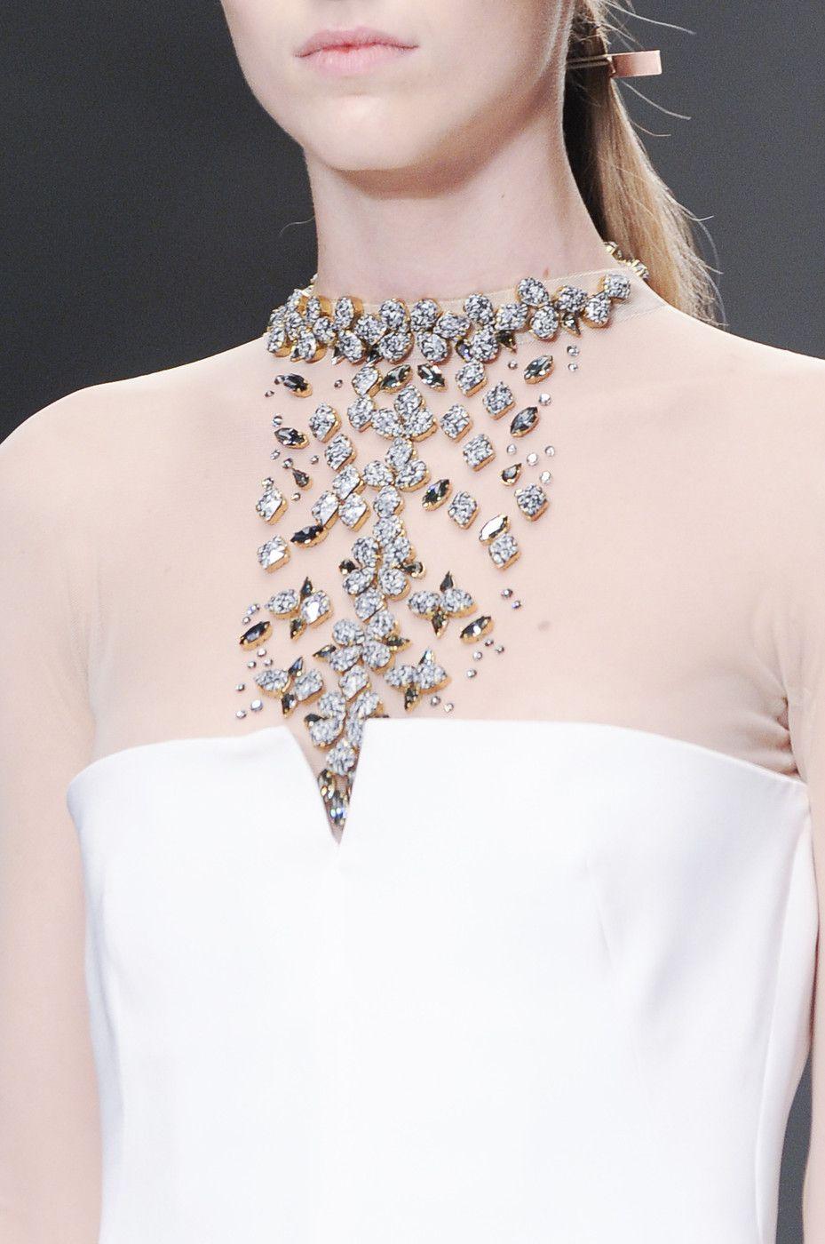 whore-for-couture:orlandaspleasure:  Marios Schwab Spring 2014 RTW  Haute Couture blog :)