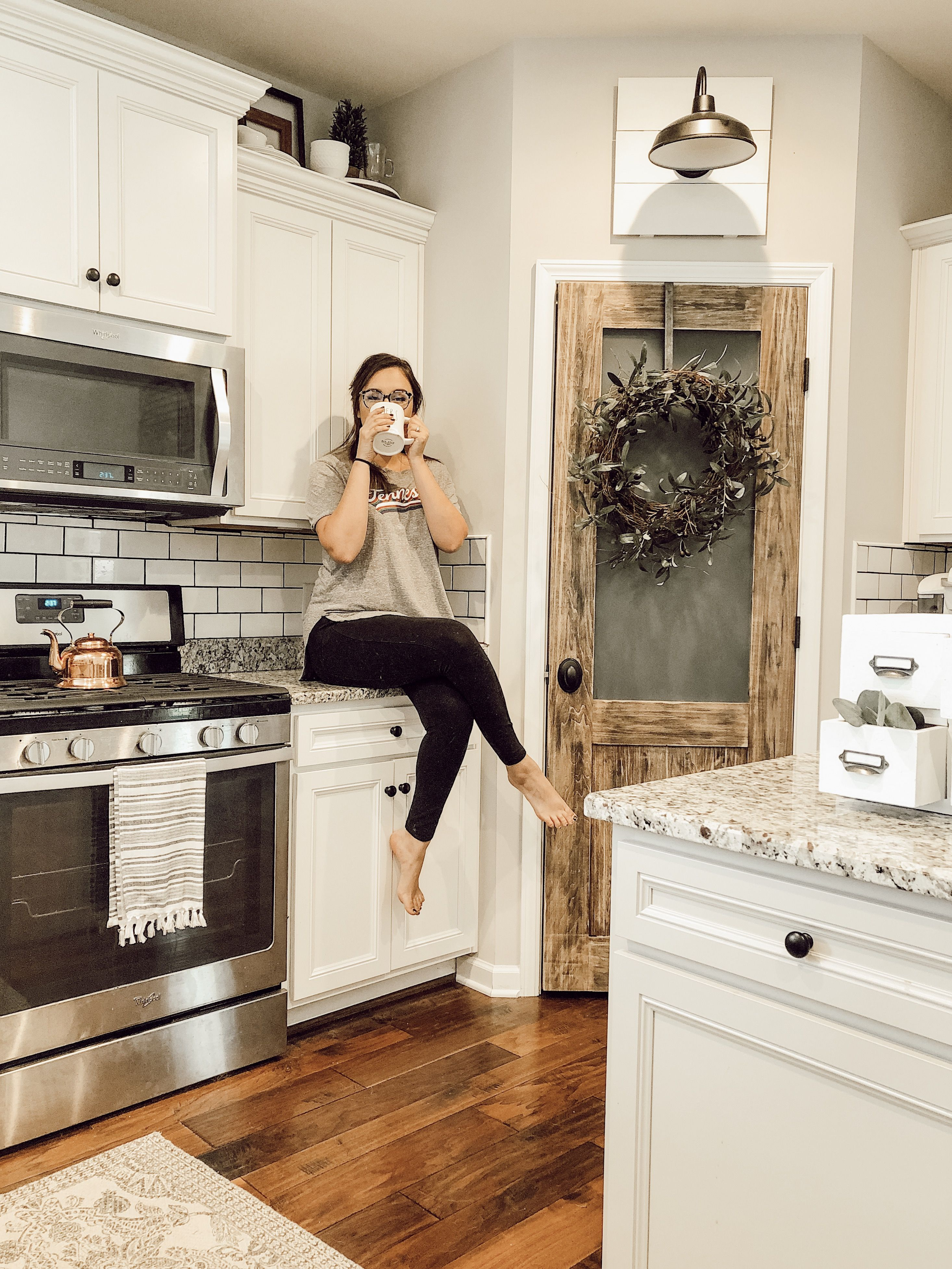 Best Farmhouse Kitchen White Kitchen White Cabinets Pantry 640 x 480
