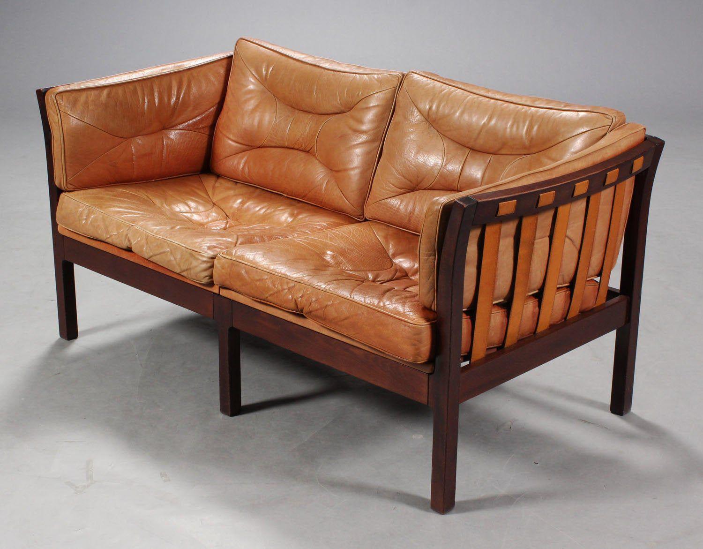 Danisch Vintage Cognac Braunes 2er Ledersofa Mit Holzdetails In 2020 Ledersofa Sofa Vintage