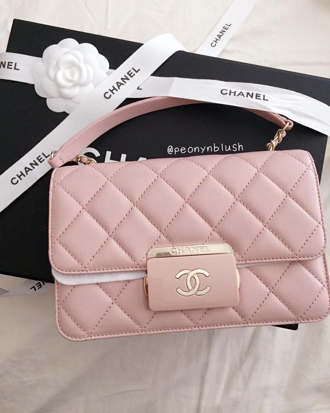 Chanel Flap Bag For Fashion Women. Best Accessories To Wear.  Chanel   Handbags fe21eebd5