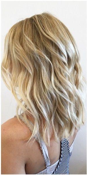 Photo of beachy blonde høydepunkter av janell