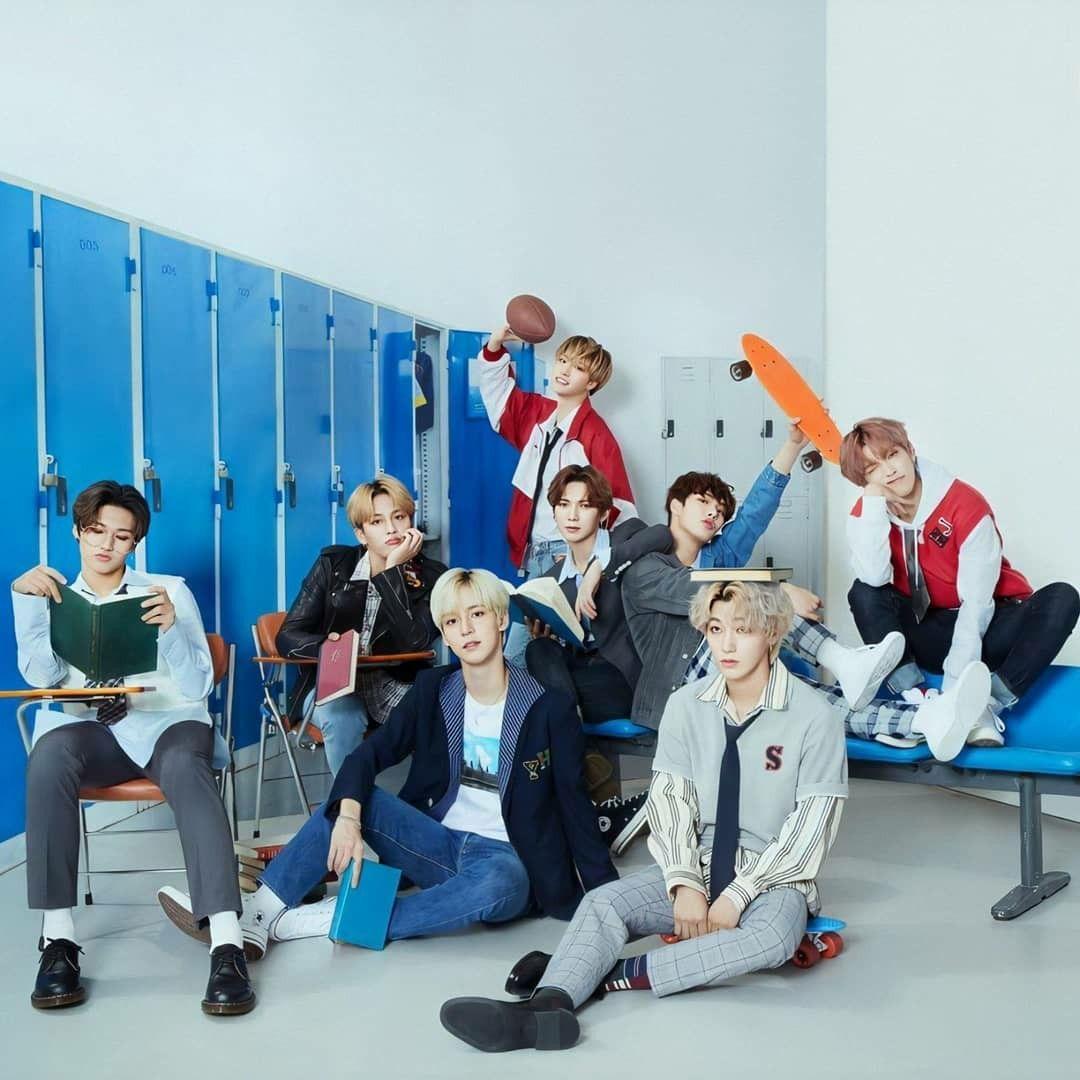 Pin By Alba Funes On Ateez 8 Makes 1 Team In 2020 Boy Groups Korean Boy Bands Korean Idol