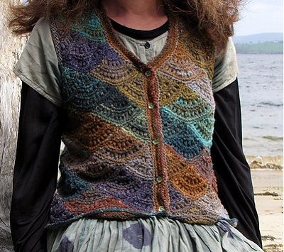 Beached Cockleshells, de Amy Jansen. http://www.ravelry.com/patterns/library/beached-cockleshells