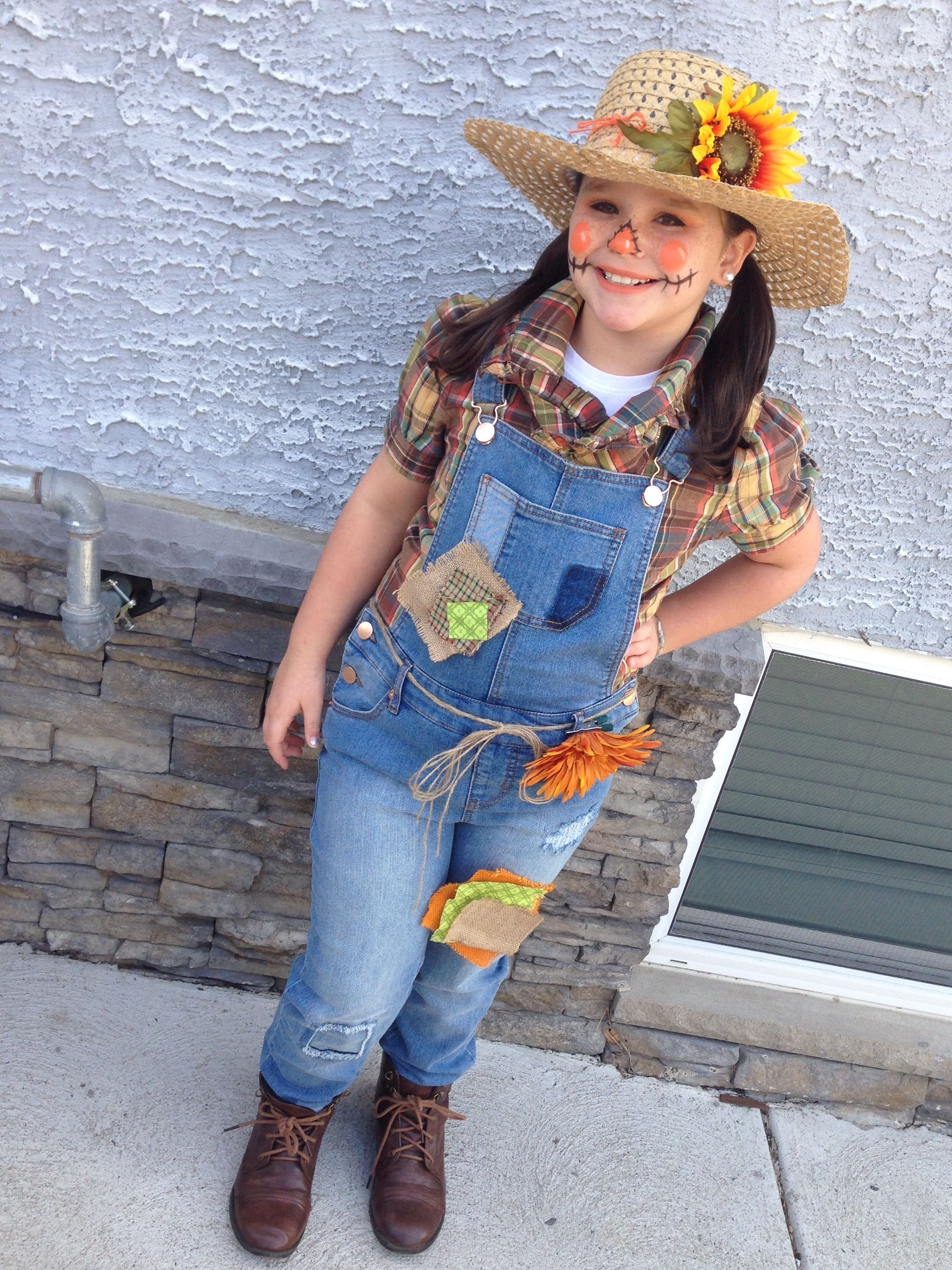 DIY Scarecrow costume, cute makeup and patches. Used a glue gun to ...
