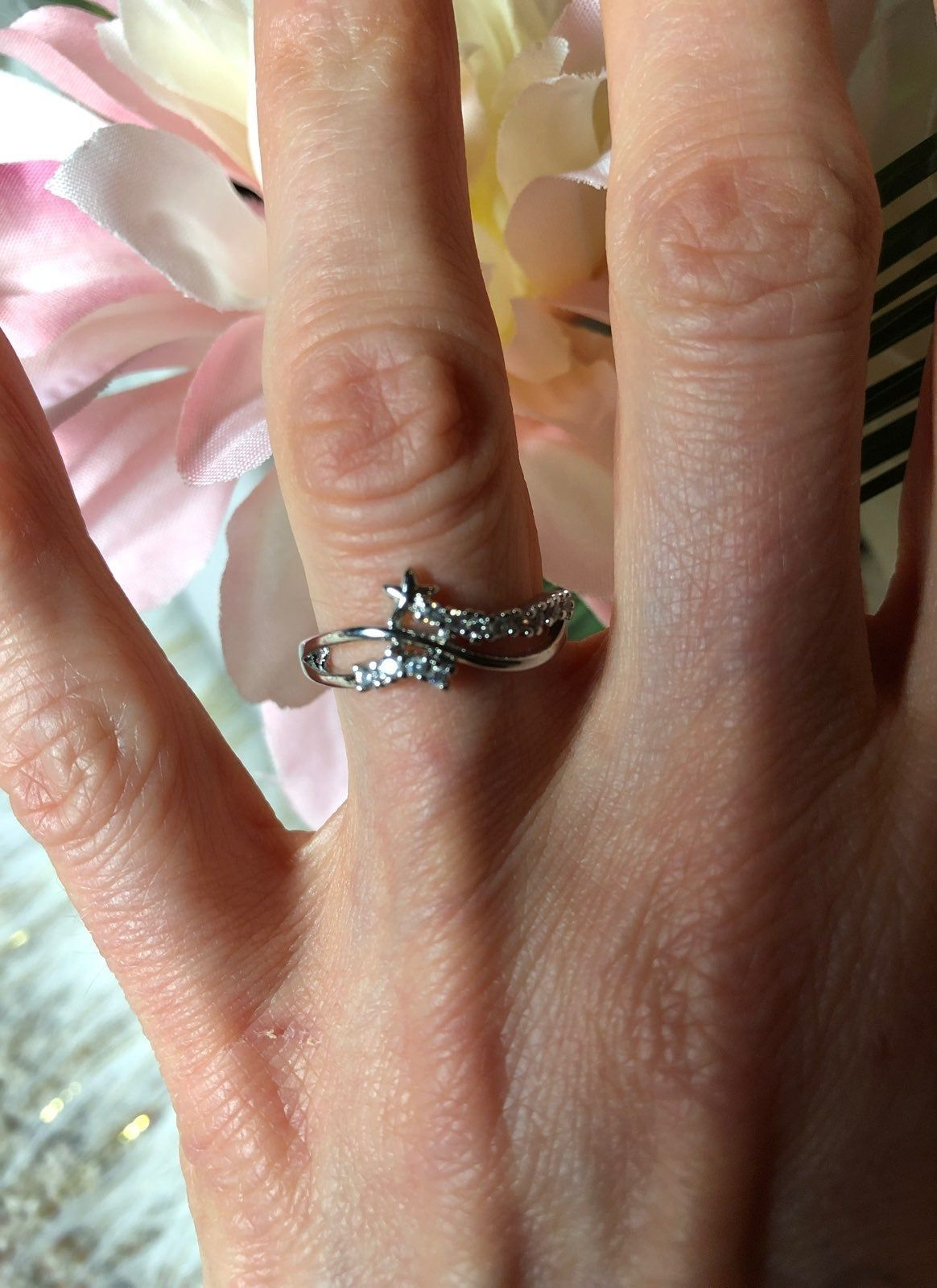 Adorable Little Shooting Star With A Trail Of Sparkly Crystals Stamped 925 Inside Ring Is A Size 6 5 Preowned Great No Flaws Condition Rings Ring Size 925 Ring