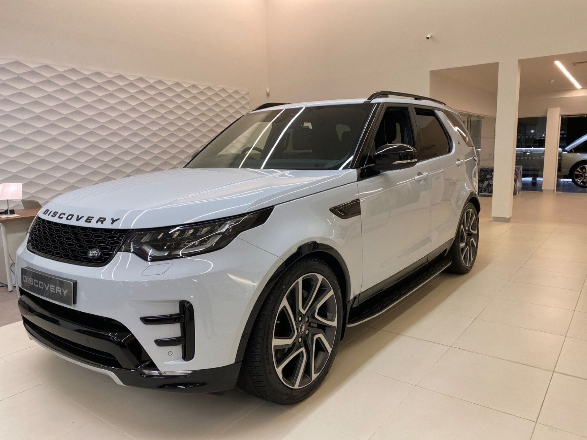 Land Rover Discovery 3 0 Sdv6 Hse Luxury 5dr Auto For Sale Land Rover Discovery Land Rover Used Land Rover