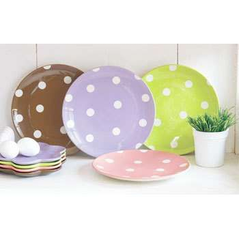 these are really cute- flower shape dessert plates too