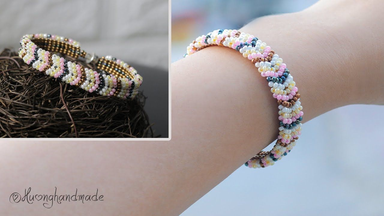 Photo of Easy to make chevron bracelet with only seed beads. Jewelry making tutorial