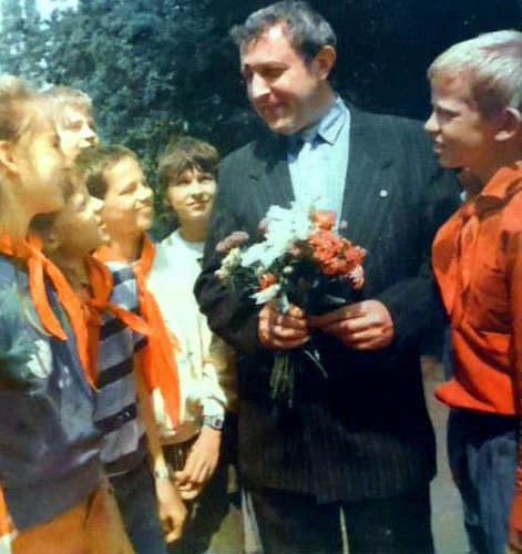 https://flic.kr/p/FesjN4 | DDR Kinder,DDR Pioniere,Thälmannpioniere,DDR Jungpioniere,DDR Schule