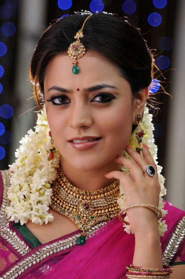 Sizzling Hot Pics of Kajal Aggarwal Sister Nisha Agarwal