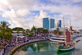 Combine your visit to the #GrandBeachHotel with the waterside dining & shopping #BaysideMarketplace offers Miami visitors… For more travel tips visit our Miami Guide-> http://www.miamihotelgrandbeach.com/shoppingcenters/
