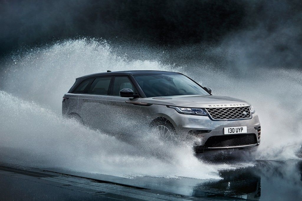 High Quality Silver Range Rover, Luxury SUV Car, Water Splashes Wallpaper Gallery