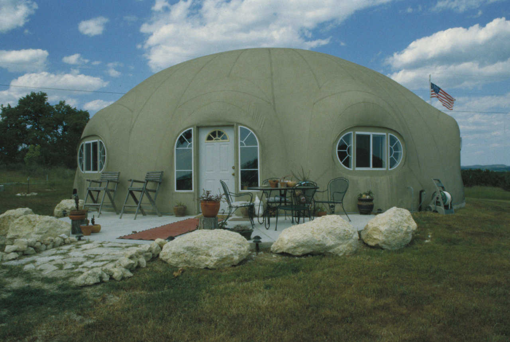 This Dome Just Clicks Monolithic Dome Institute In 2020 Monolithic Dome Homes Dome House Dome Home