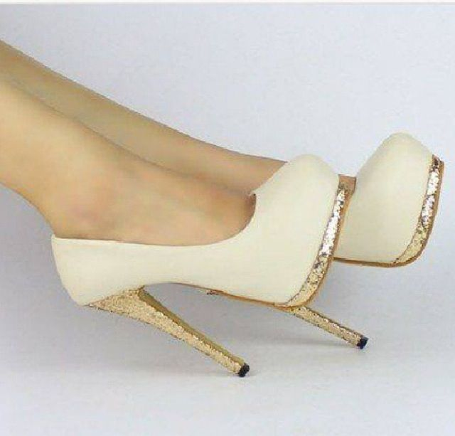These would be perfect for a wedding *-* #heels