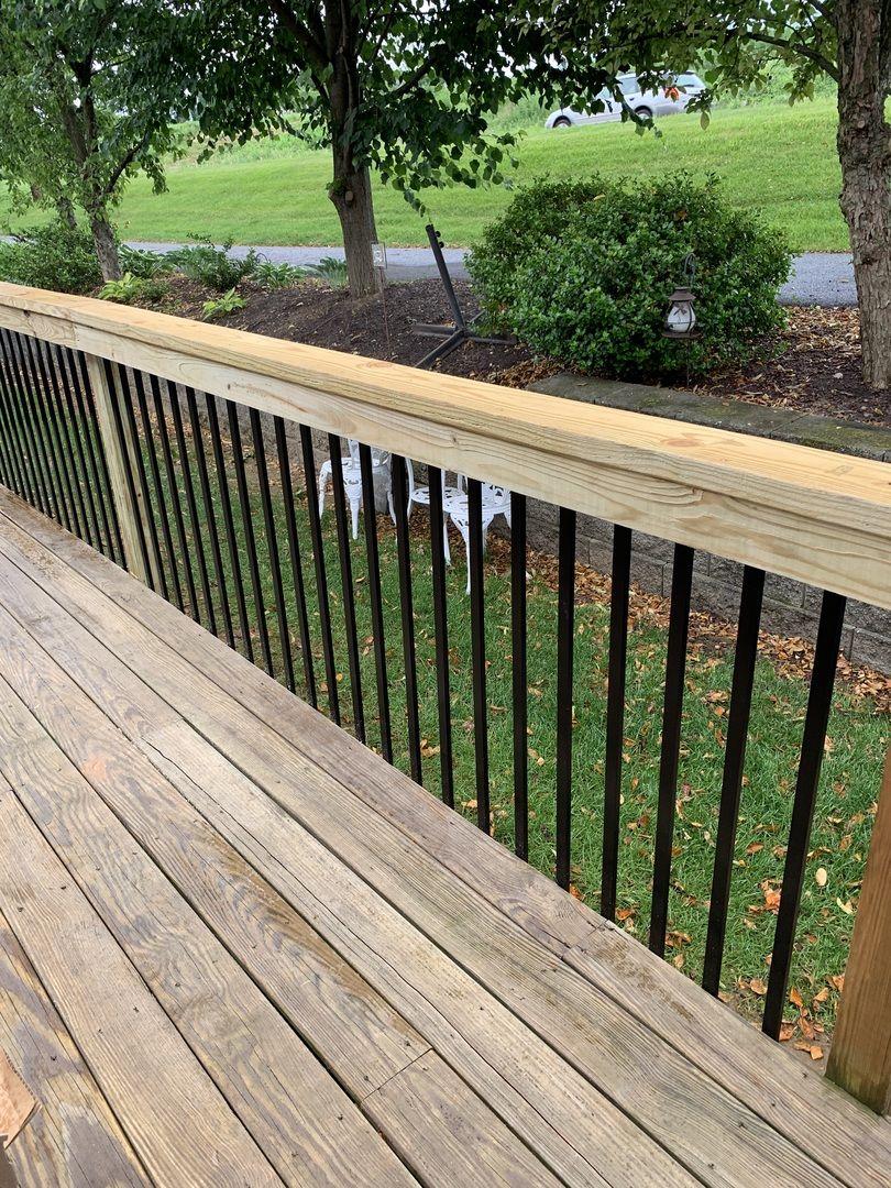 Traditional Face Mount Aluminum Balusters By Deckorators Backyard Landscaping Backyard Wood Deck Railing