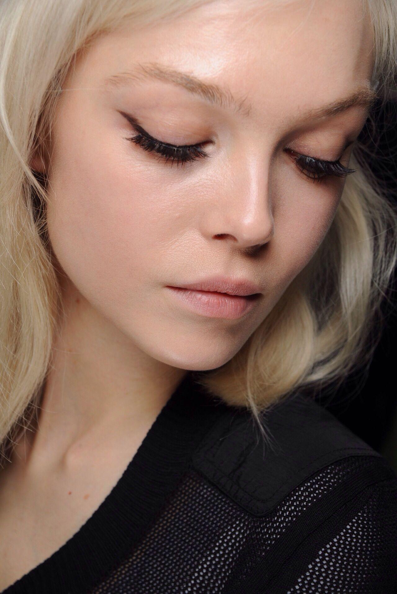 Black eyeliner   The Hair + Makeup   Makeup, Eyeliner, Eye ...