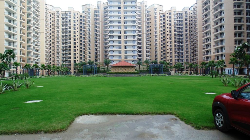 Niralaestate Nirala Estate Nirala Estate Tech Zone 4 Greater Noida West Www Niralaestate Properrybaazar Com Estates Moving Apartment Greater Noida