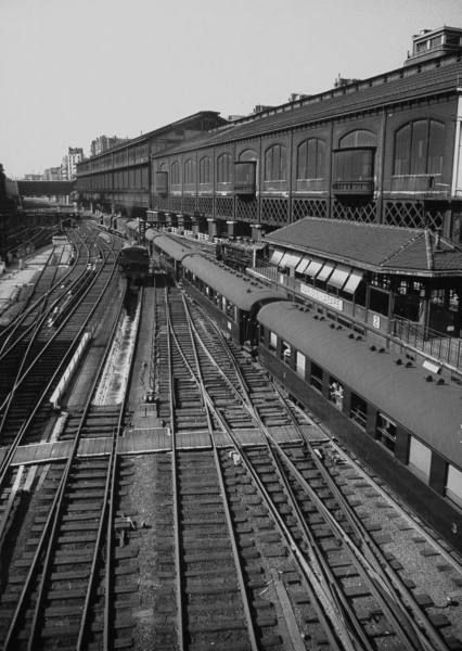 st lazare station 1950 39 tgv trains gares et voies pinterest. Black Bedroom Furniture Sets. Home Design Ideas