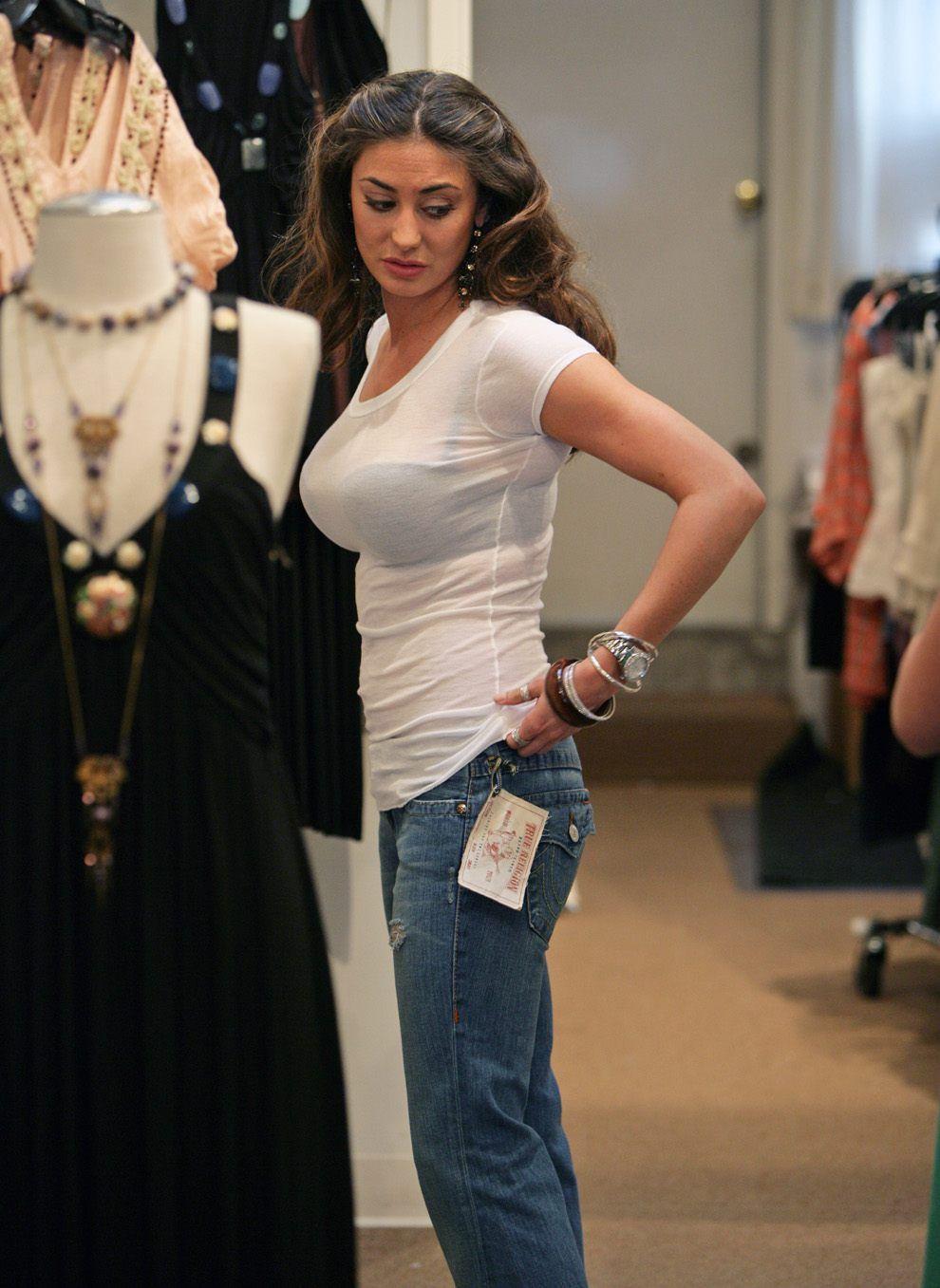 Voyeur busty girl | Womens fashion | Pinterest | Girls