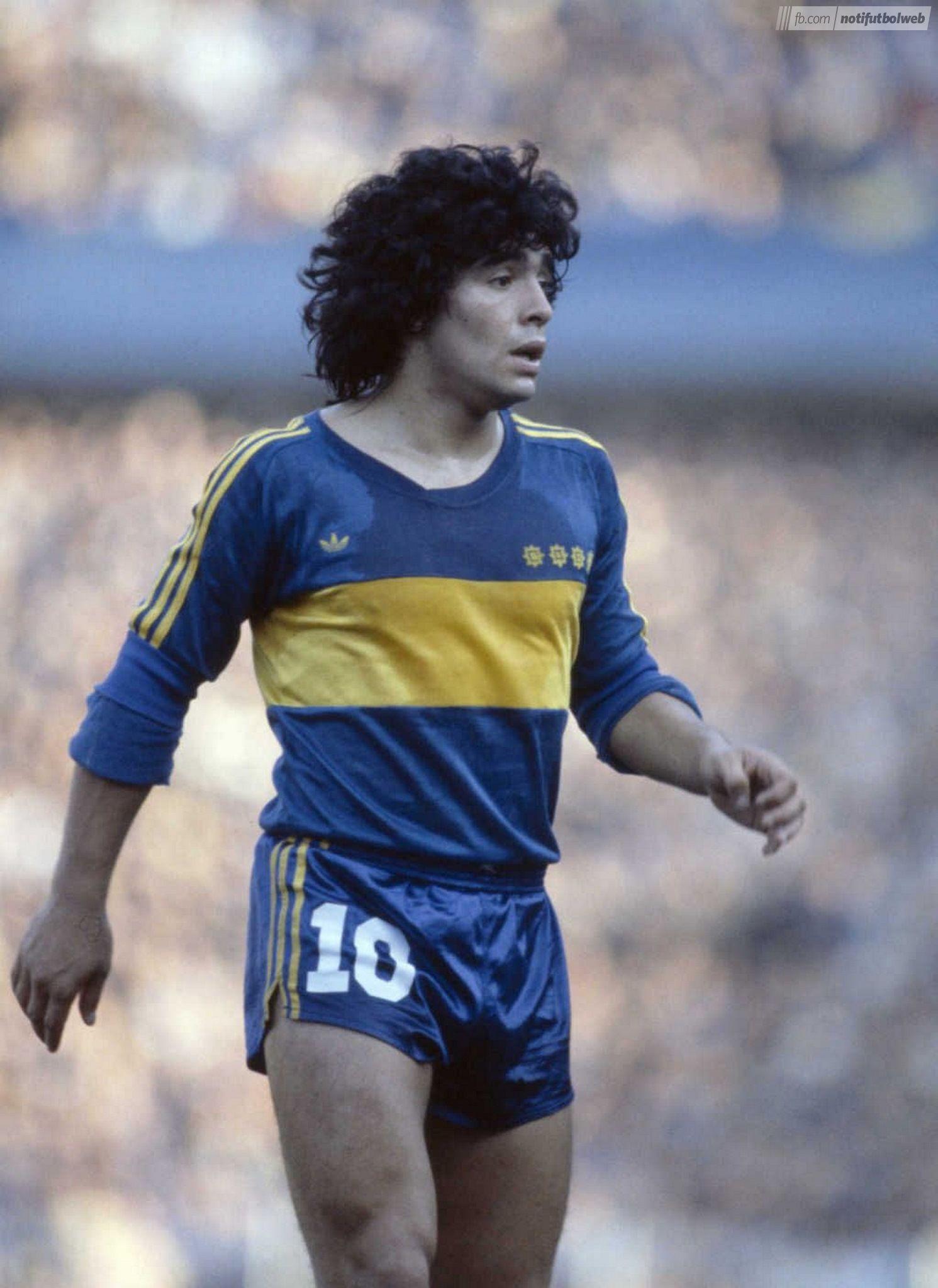 Diego Armando Maradona (Boca Juniors)  4ff0c3c4c9f74
