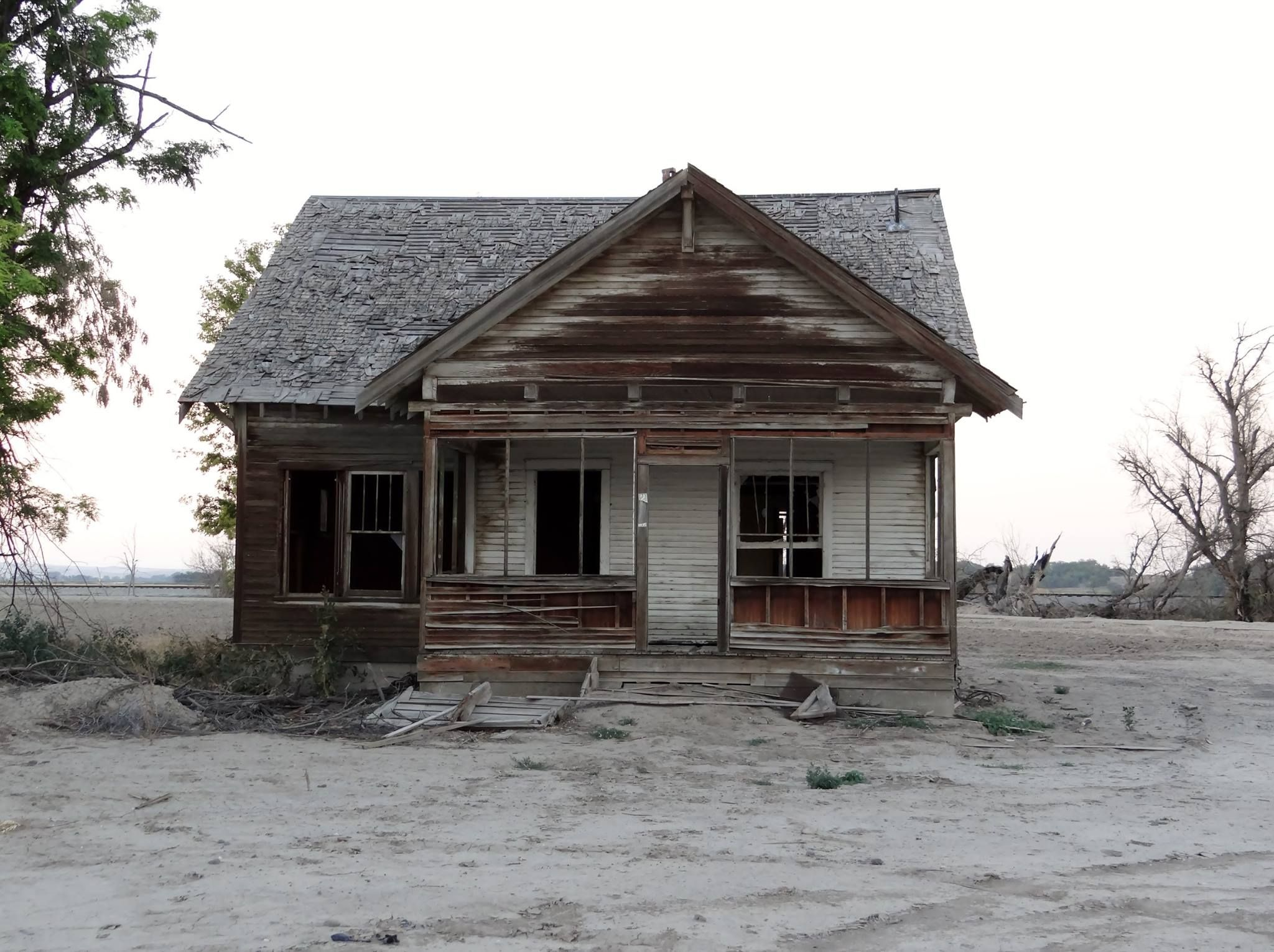 An old house I came across in Idaho on my drive home from Oregon...