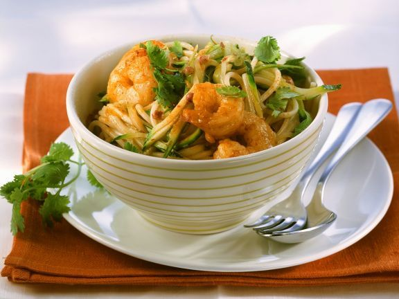 Nudeln mit Zucchini-Garnelensauce ist ein Rezept mit frischen Zutaten aus der Kategorie Garnelen. Probieren Sie dieses und weitere Rezepte von EAT SMARTER!