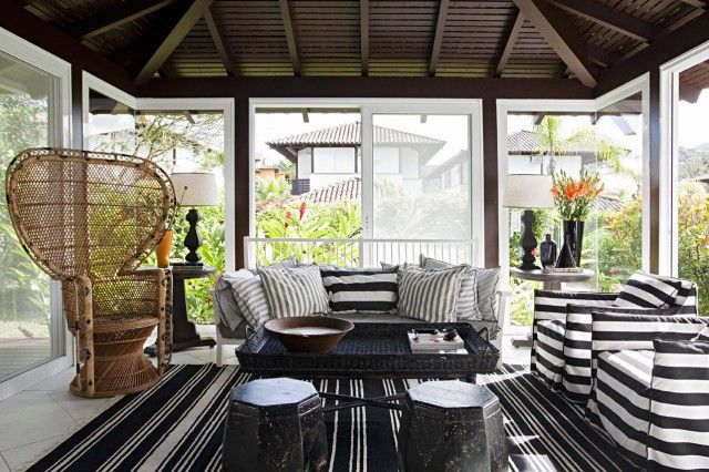 Breathtaking A Gathering Sunroom ~ http://topdesignset.com/sunroom-design-ideas-for-your-magnificent-house/