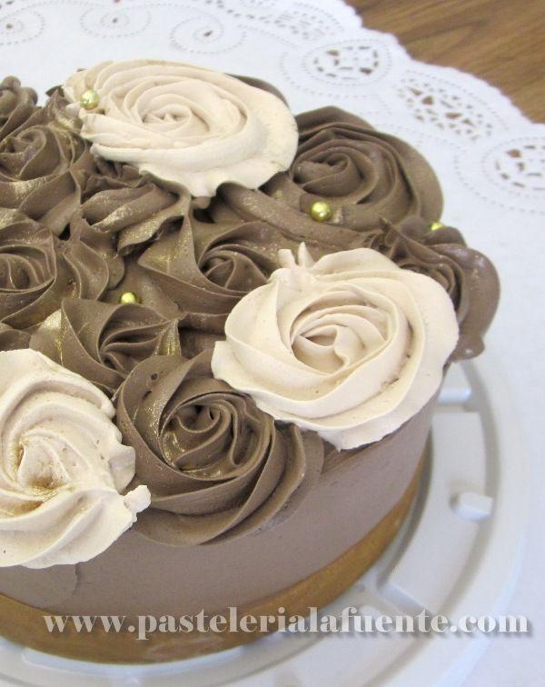 Pastel De Chocolate Con Flores
