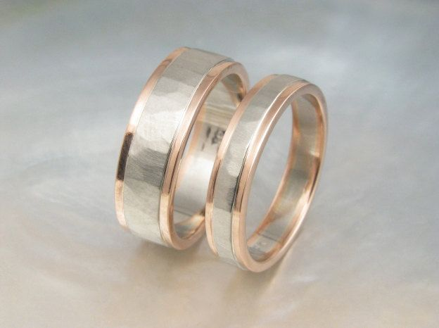 Rose Gold And White Gold Wedding Band Set Hammered Two Tone Etsy Gold Wedding Band Sets Wedding Band Sets White Gold Wedding Band Sets