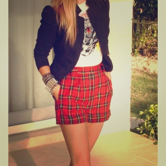 Vintage Lucky Brand Red Plaid Shorts NWOT. Vintage Lucky Brand red plaid shorts. Fully lined. Warm wool material. Buffalo plaid print. Slouchy fit. Great with tights & high heeled booties. First pic used as inspiration only. Lucky Brand Shorts