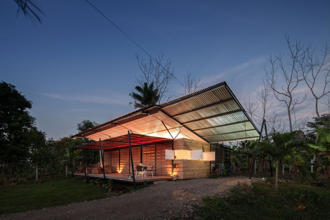 A Simple Hideaway in Central Costa Rica Architecture