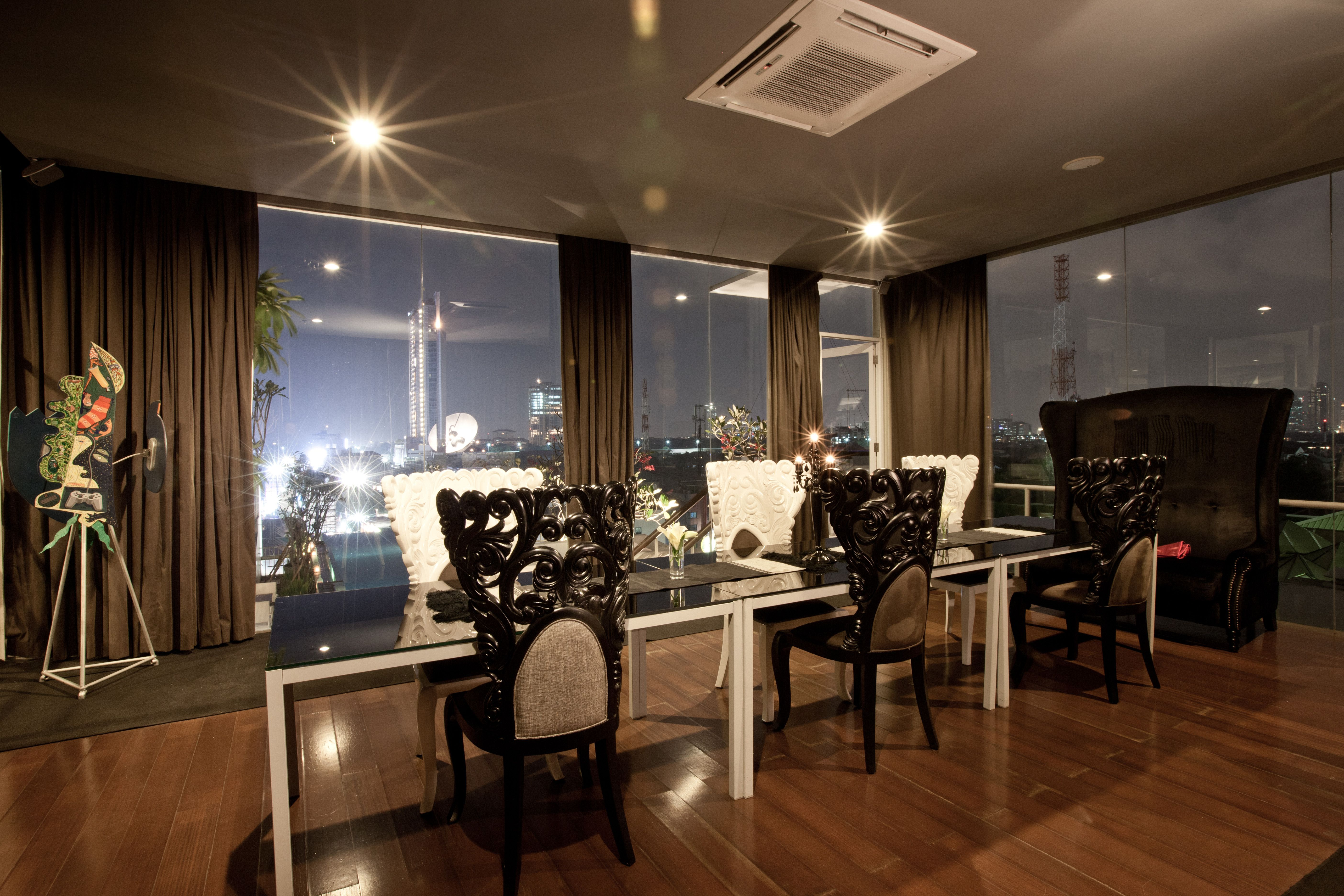 the perfect spot for a private dinner party - kemang iconalila