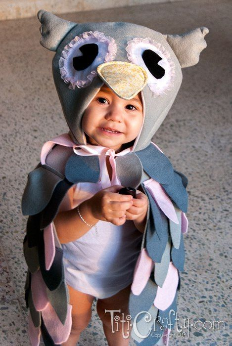 Mommy & Me DIY Halloween Owl Costumes | The Crafting Nook by Titicrafty