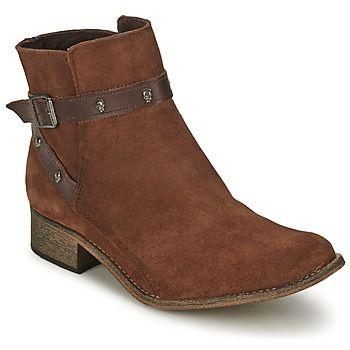 La bota de mujer Winter ha sido imaginada por la marca BT London para aportar un toque de carácter a nuestros looks de temporada. Por un lado, su color marrón muy actual, y por otra parte su corte en piel y su forro en cuero la convierten en un modelo muy fácil de llevar. La apreciamos por su plantilla interior en textil y su suela en sintético. ¡No busques más, es perfecta! #spartoo #botines #botas #zapatos #mujer #moda http://www.spartoo.es/BT-London-WINTER-x245465.php