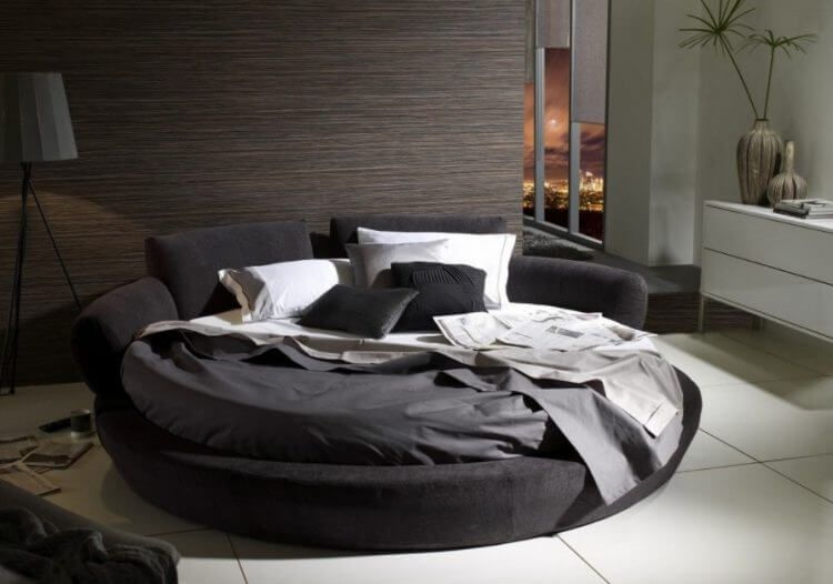 10 Exquisite Modern And Classic Round Beds For Your Sleep Space 7 In 2020 Round Beds Headboard Decor Bed Design