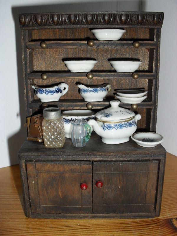 Pit-a-Pat Dolls House Furniture - Dolls' Houses Past & Present