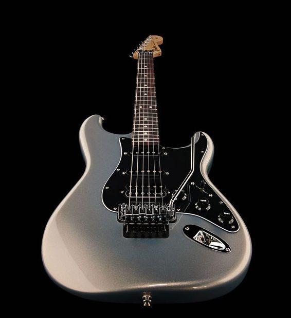 Fender Std Strat Hss Floyd Rw Slvr Thomann Www Thomann De Color Ghost Silver Strat Stratocaster Fender Beautiful Silv Guitar Fender Stratocaster Fender