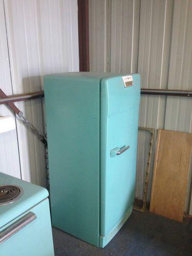 vintage 1950 39 s ge electric range oven and refrigerator. Black Bedroom Furniture Sets. Home Design Ideas